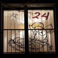 Adventsfenster_24_nachts